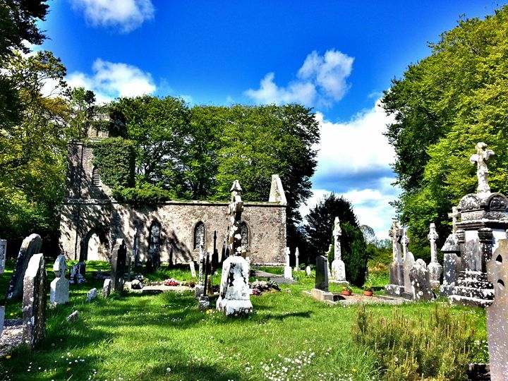 Old country Graveyard - Pictures of Ireland
