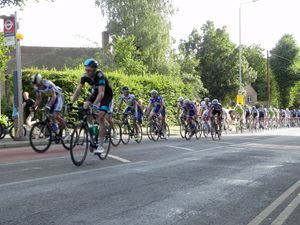 team sky leading the pack