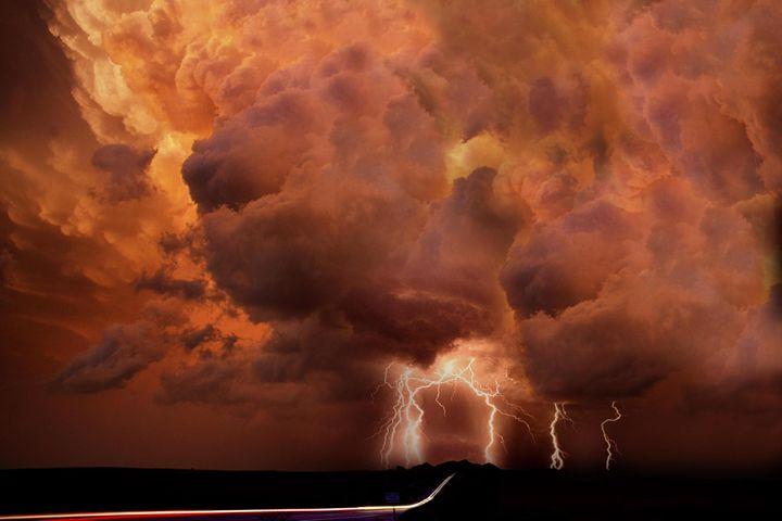 Lightning Clouds - Exil