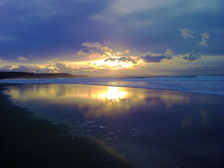 Sunset at Chapel Porth - Leigh Rowland