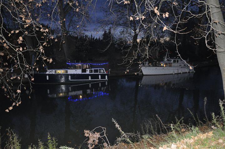 Christmas on the canal - Leigh Rowland