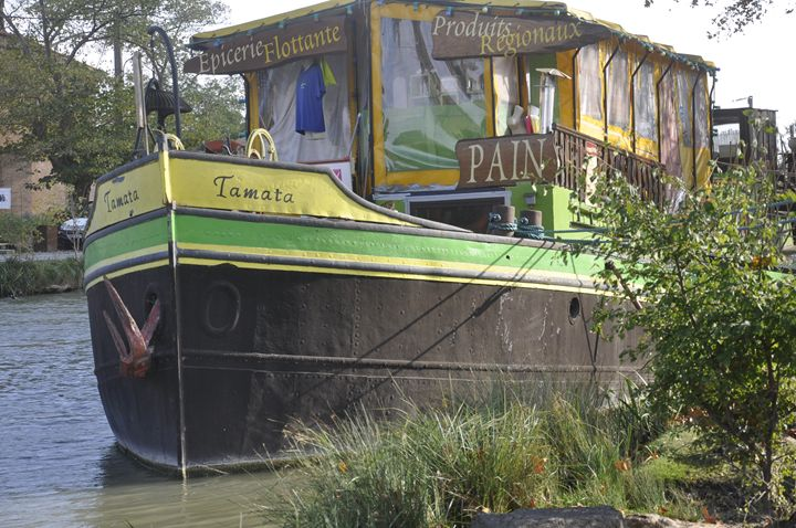 The barge epicerie at Le Someil - Leigh Rowland