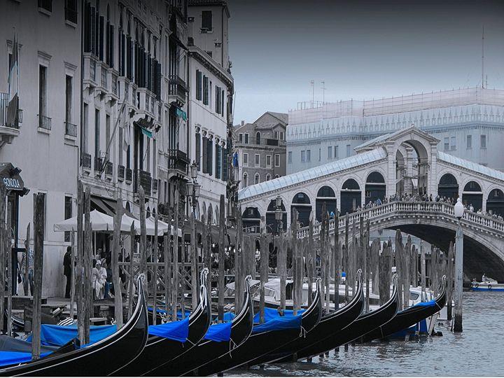 Gondolas at the Rialto Bridge Venice - Elise Heisler