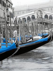 Detailed gondolas at Rialto Bridge