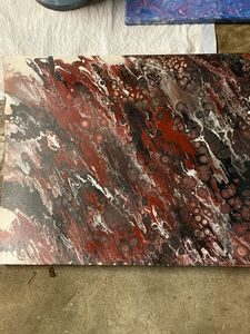 Red/brown pour