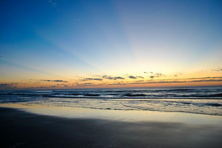 Sun rise at the beach - Reid
