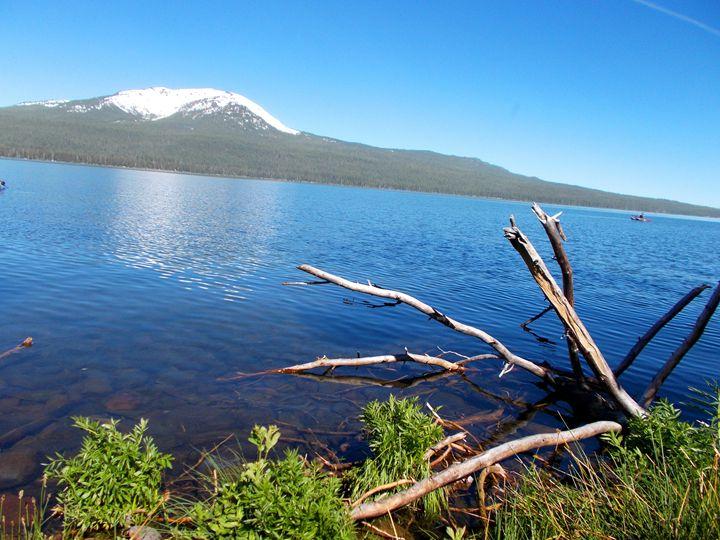 Diamond Lake in the Morning - Su Stella