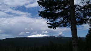 Diamond Peak, from HWY  58 Oregon