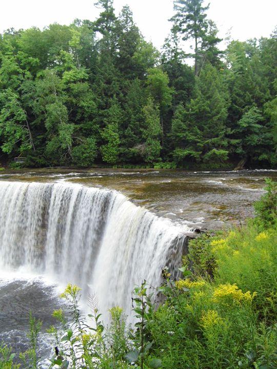 Tachquamenon Falls - Michigan's Natural Beauty