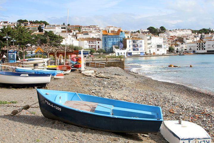 Blue Boat in Cadequés - Jose Silva