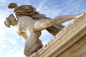 Alexandre Combattant Statue