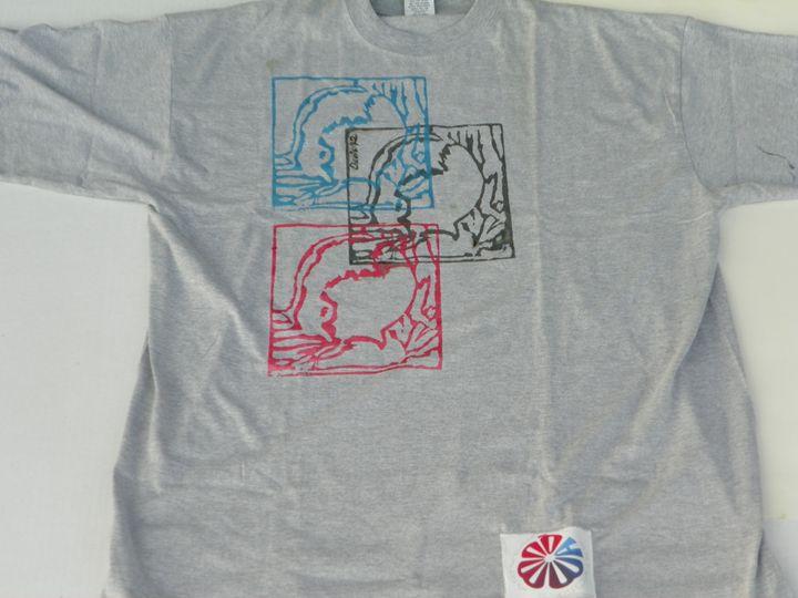 2XXL Grey CWATIC T-Shirt - Quwwa Artworks