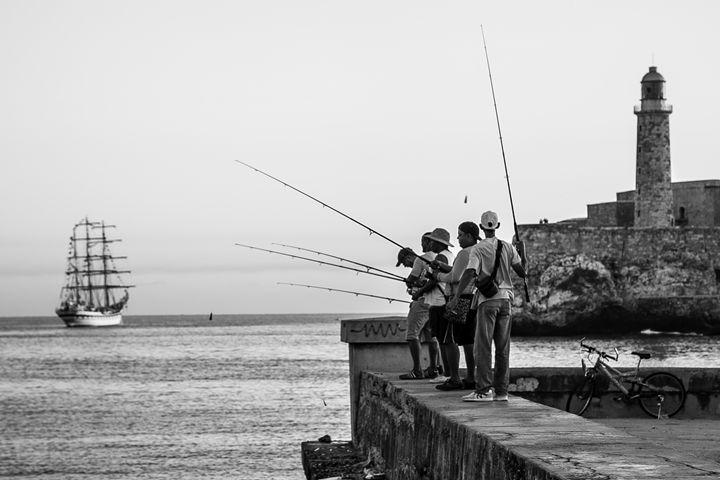 Fishing in Havana - Henry Harrison