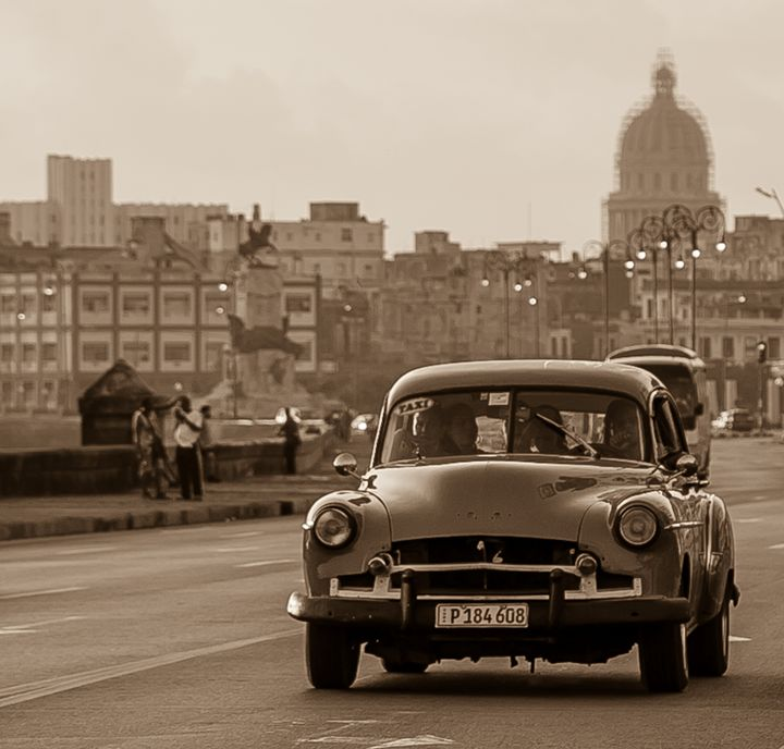 Cuban Taxi Time - Henry Harrison