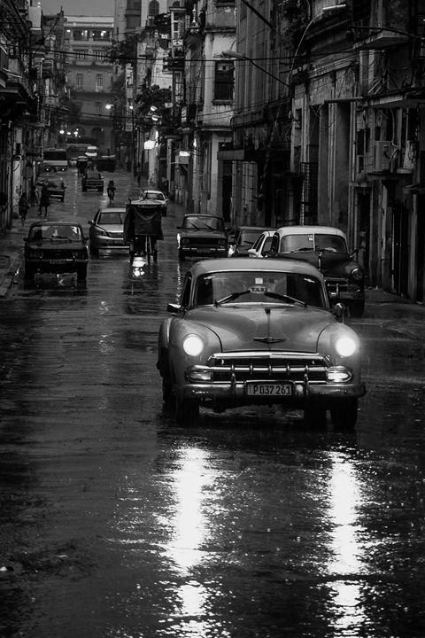 Rainy Night in Havana - Henry Harrison