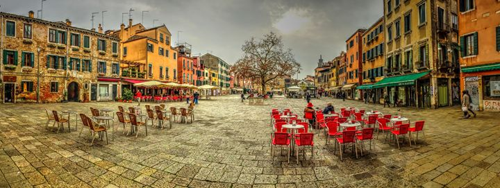 Venice Plaza - Henry Harrison