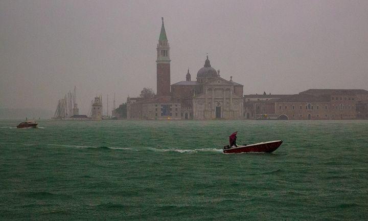 Venetian Rain - Henry Harrison