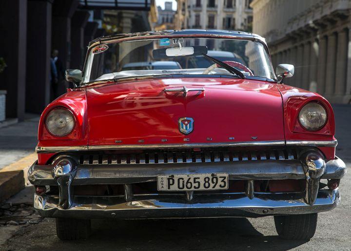 Mercury American Car Cuba - Henry Harrison