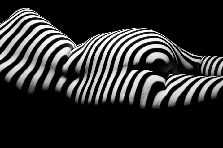 Striped laying nude from behind - Man Art