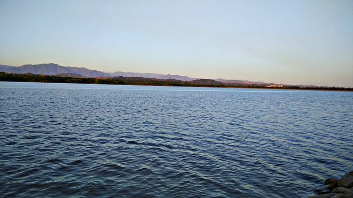 Majestic lake - Jammie