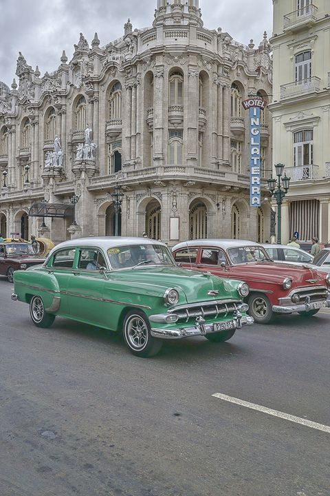 Cars on the street of Cuba - Life is a Highway Photo