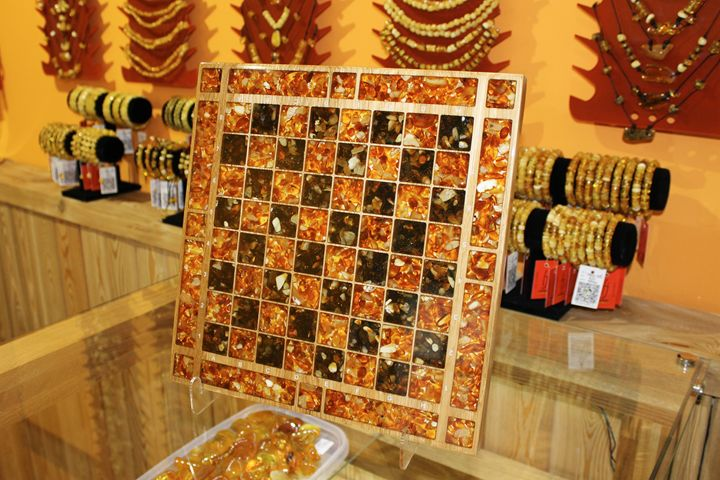 Natural amber chess board, hand made - FJ Amber