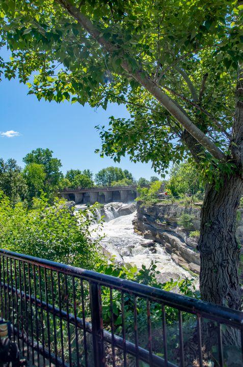 Hog's Back Park and waterfall 12 - Bob Corson Photography