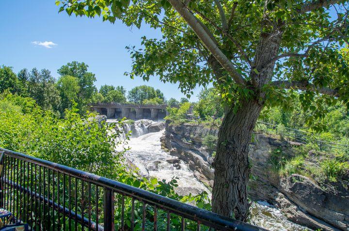 Hog's Back Park and waterfall 13 - Bob Corson Photography