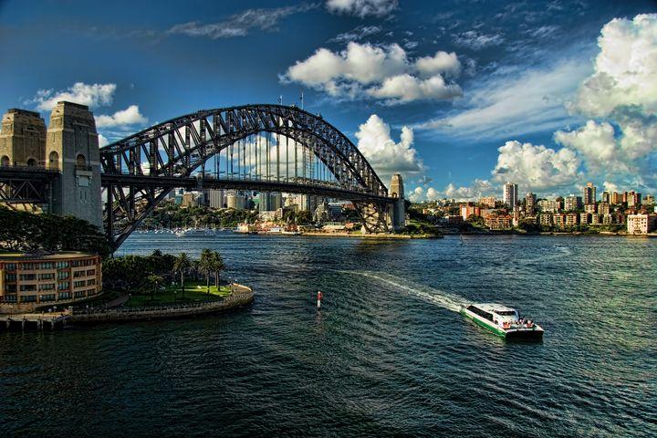 Sydney Harbour Bridge in Sydney, Aus - Interface Images World Fine Art Gallery