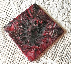 Black and Berry Tile Trivet