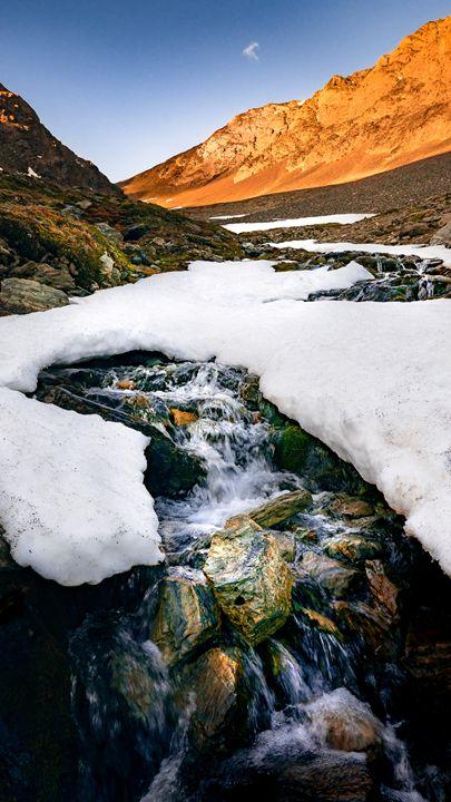 Glaciar Martial Snow Waterfall - Original art.