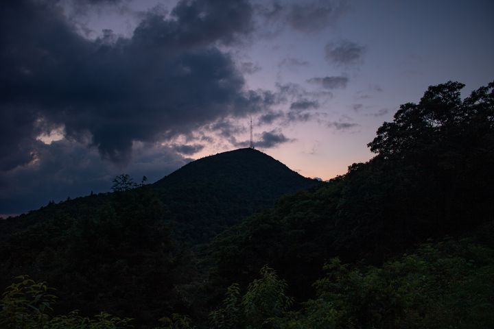 Clouds Against the Mountain - Carver Buis