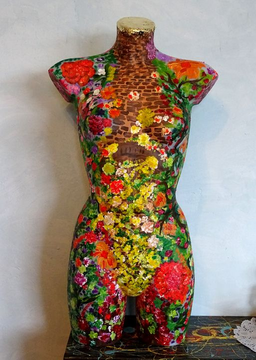 Floral mannequin 3 - Conrad Bloemers