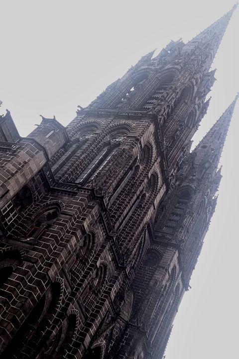 French City - Gothic Church - Char la Française