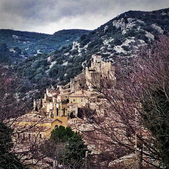 Secret Medieval Village - Char la Française