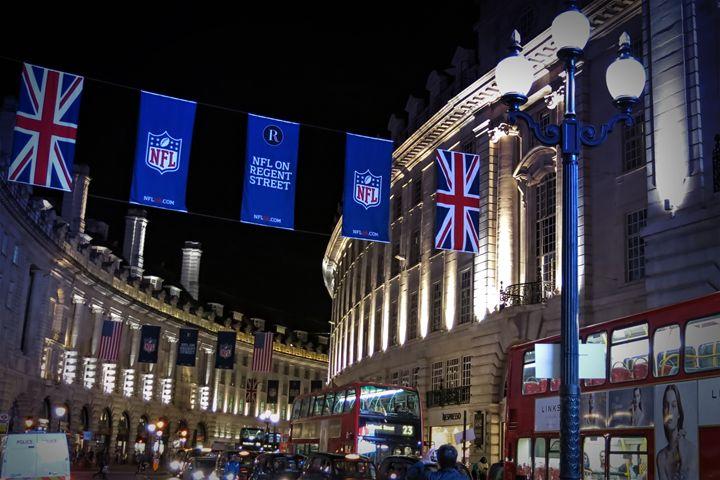NFL on Regent Street - Char la Française
