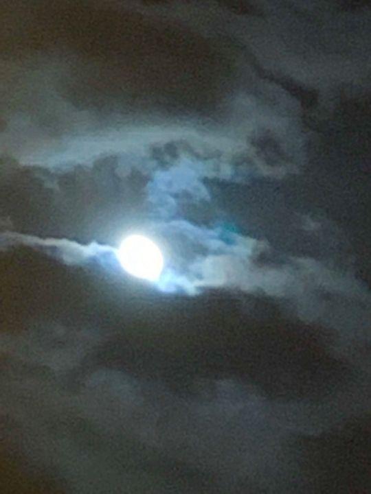 Nights moon light - Be gr8 recre8