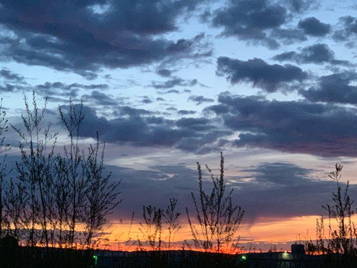 Midnight sunset - Be gr8 recre8