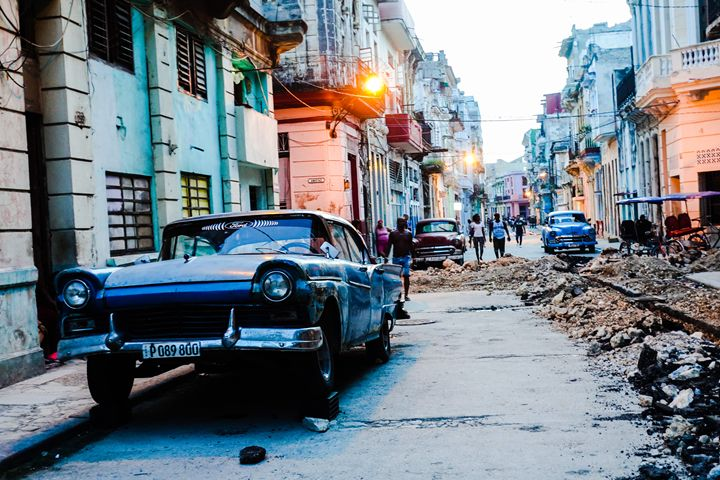 Los Calles de Habana - Ashley Noelle