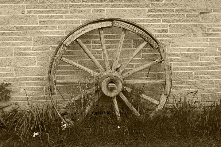 Wagon Wheel - Passing Moments Captured