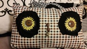 Daisy eye Owl Pillow w/ back pocket