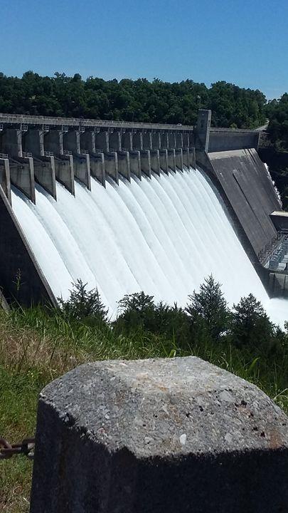 Dam Waterfall - Rikki Lee