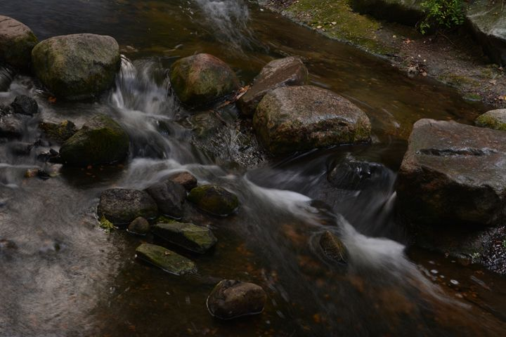 Water flowing over rocks - Michelle Stern Photography
