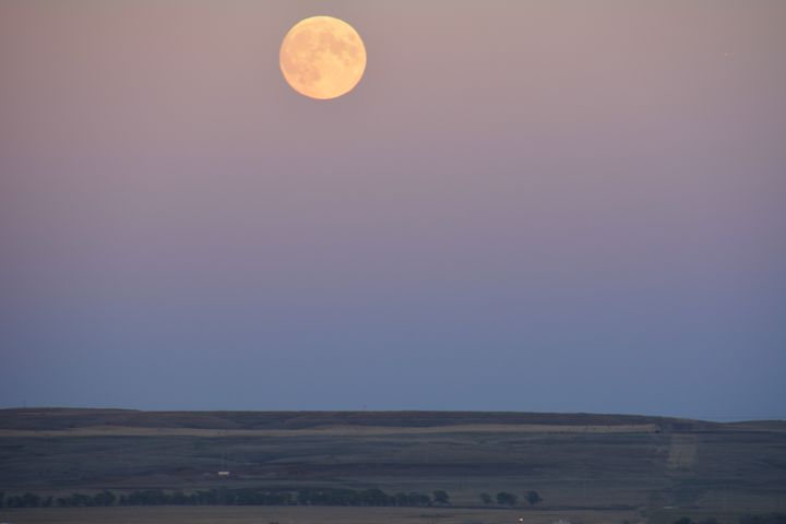 Full Moon over the prairie - Michelle Stern Photography