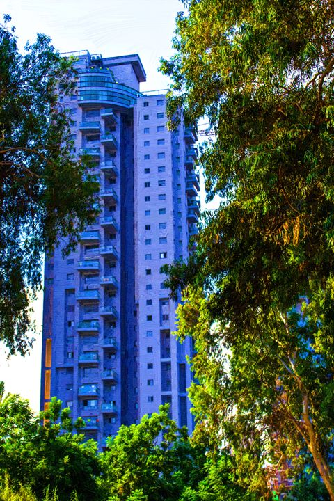 New building near the park - slavamalai