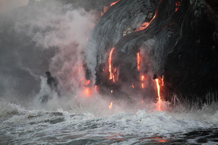 Flowing lava - Big Original by Peter Zurek