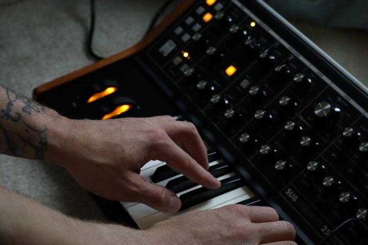 Keyboard posture: funk - Environmental Manipulations