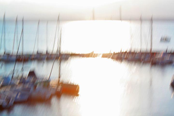Contre-Jour (Squinting Sun) - Alexander Henry