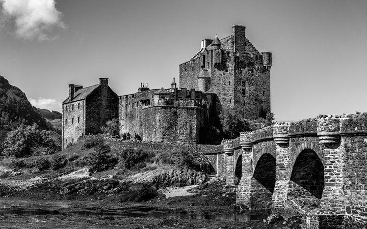 Castle Eilean Donan - Scotland - Andy McGarry Photo