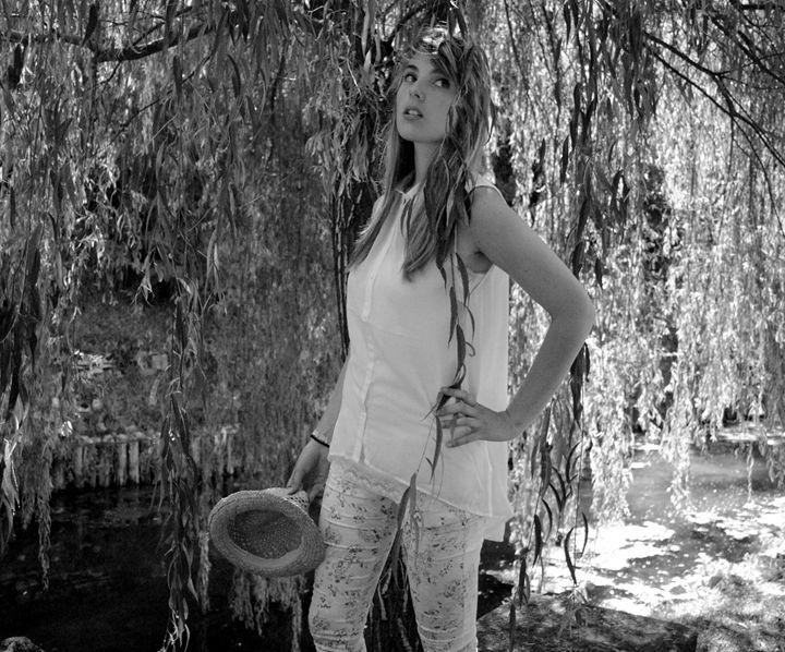Dressed In Trees - Davidecu